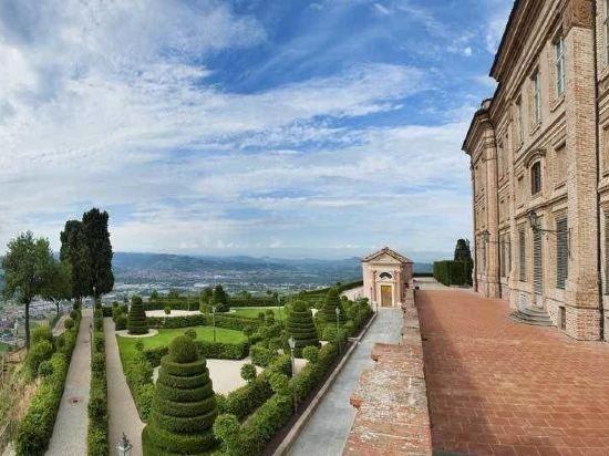 Castello Di Guarene - Relais & Châteaux Image 0