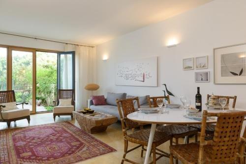 Andromeda Hill Apartments And Spa, Tel Aviv Image 2