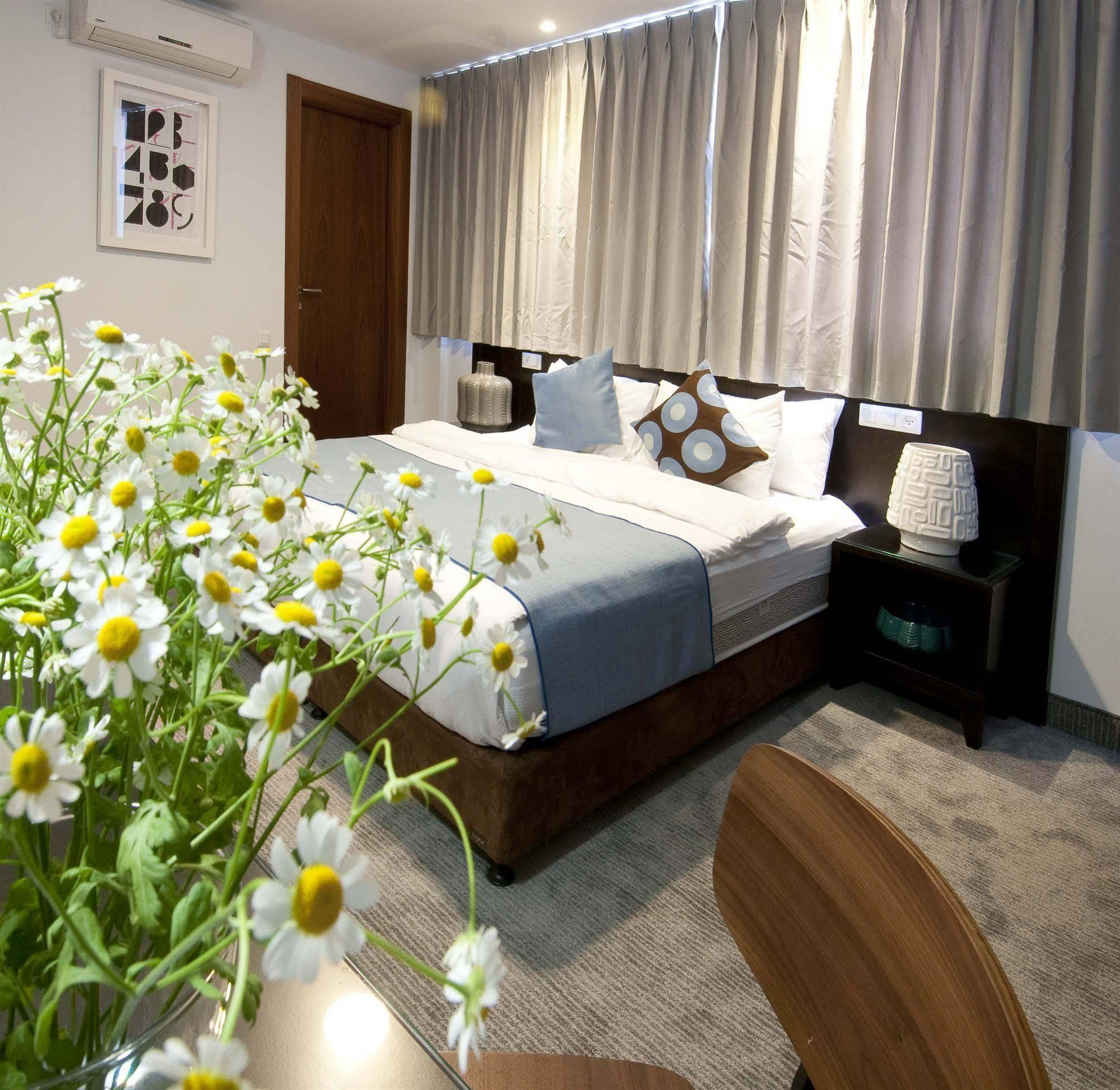 Embassy Hotel Tel Aviv Image 2