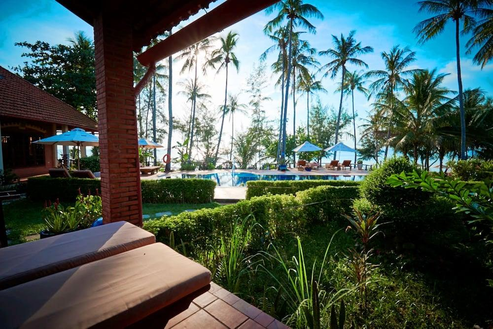 Cassia Cottage Resort Image 4