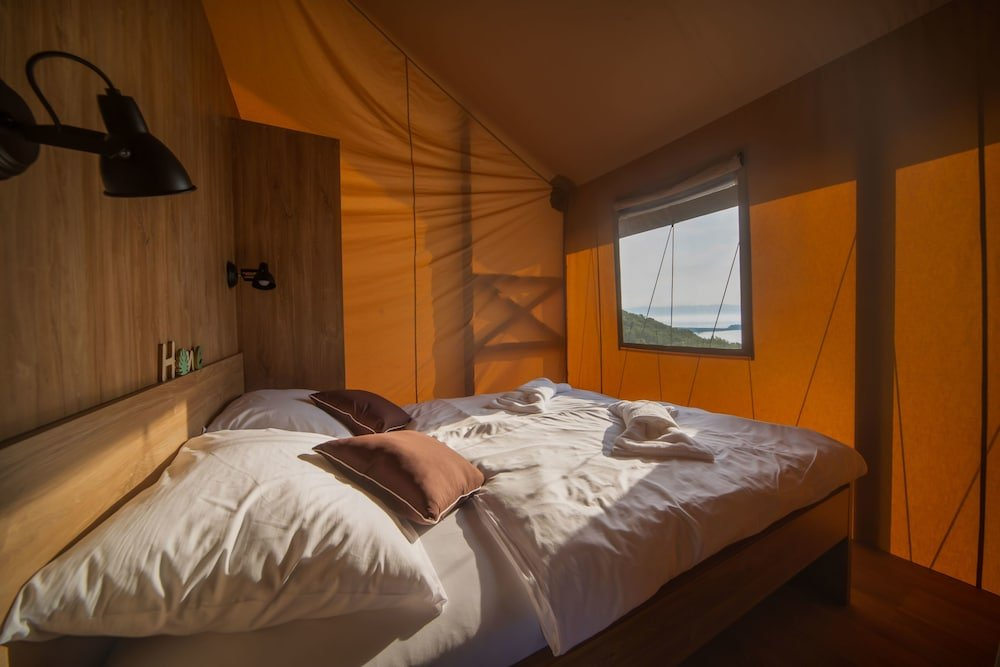 Glamping Tents Trasorka - Campsite Image 8