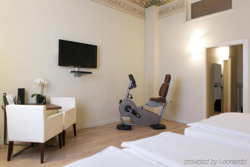 I Portici Hotel, Bologna Image 4