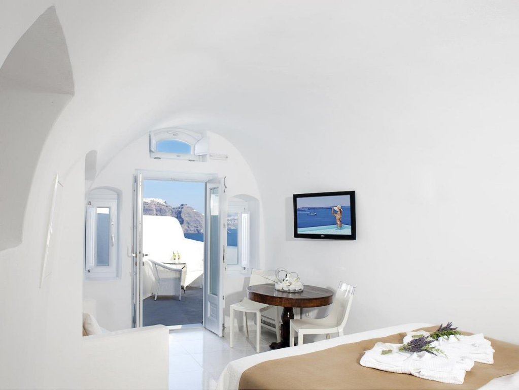 Canaves Oia Boutique Hotel Image 2