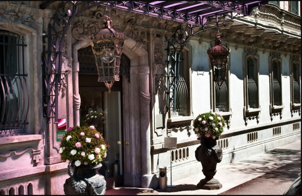 Chateau Monfort, Milan Image 20