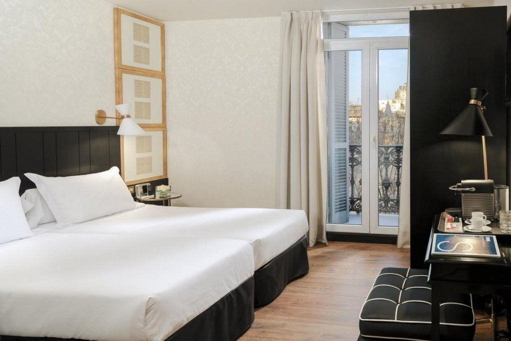 H10 Catalunya Plaza-boutique Hotel, Barcelona Image 5
