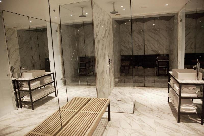 101 Hotel Image 24