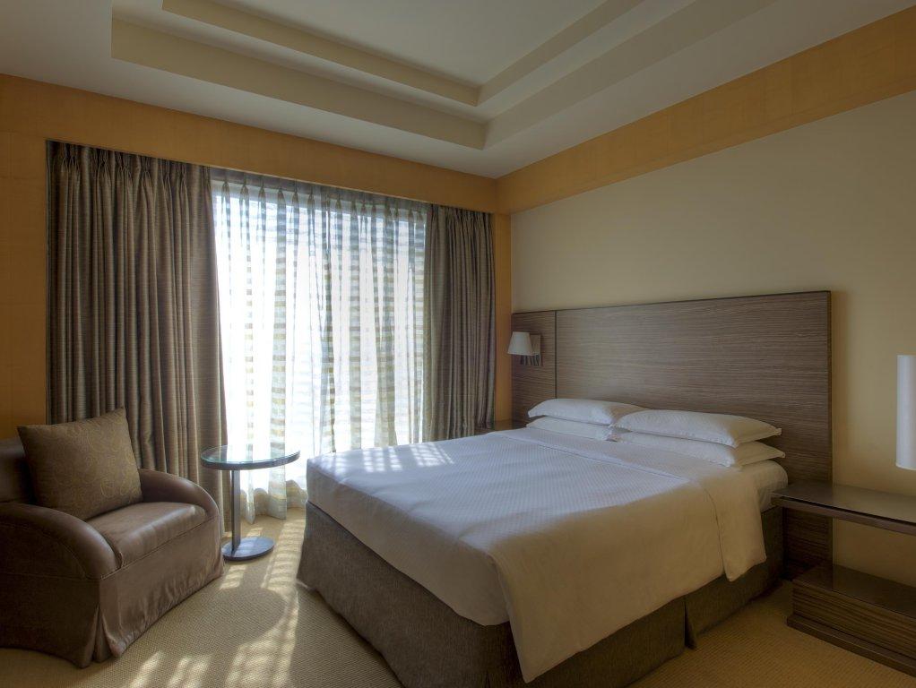 Grand Hyatt Mumbai Hotel And Serviced Apartments Image 2