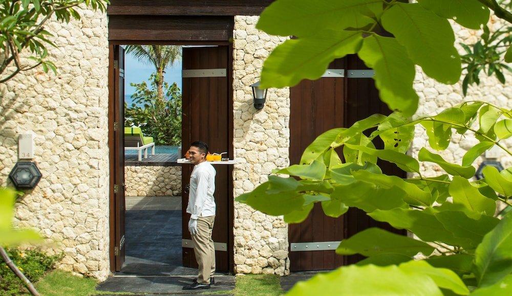 Samabe Bali Suites & Villas Image 9