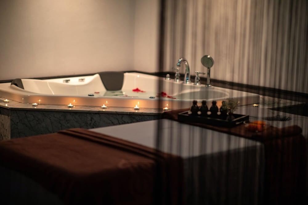 La Sinfonía Del Rey Hotel And Spa, Hanoi Image 41