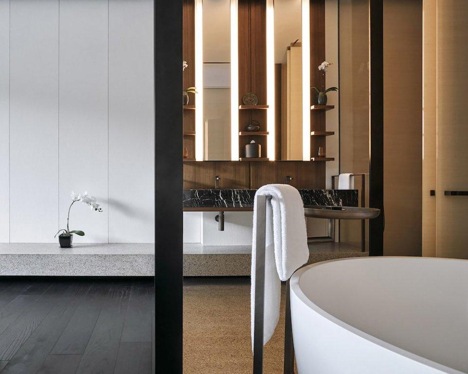 Lohkah Hotel & Spa Image 2