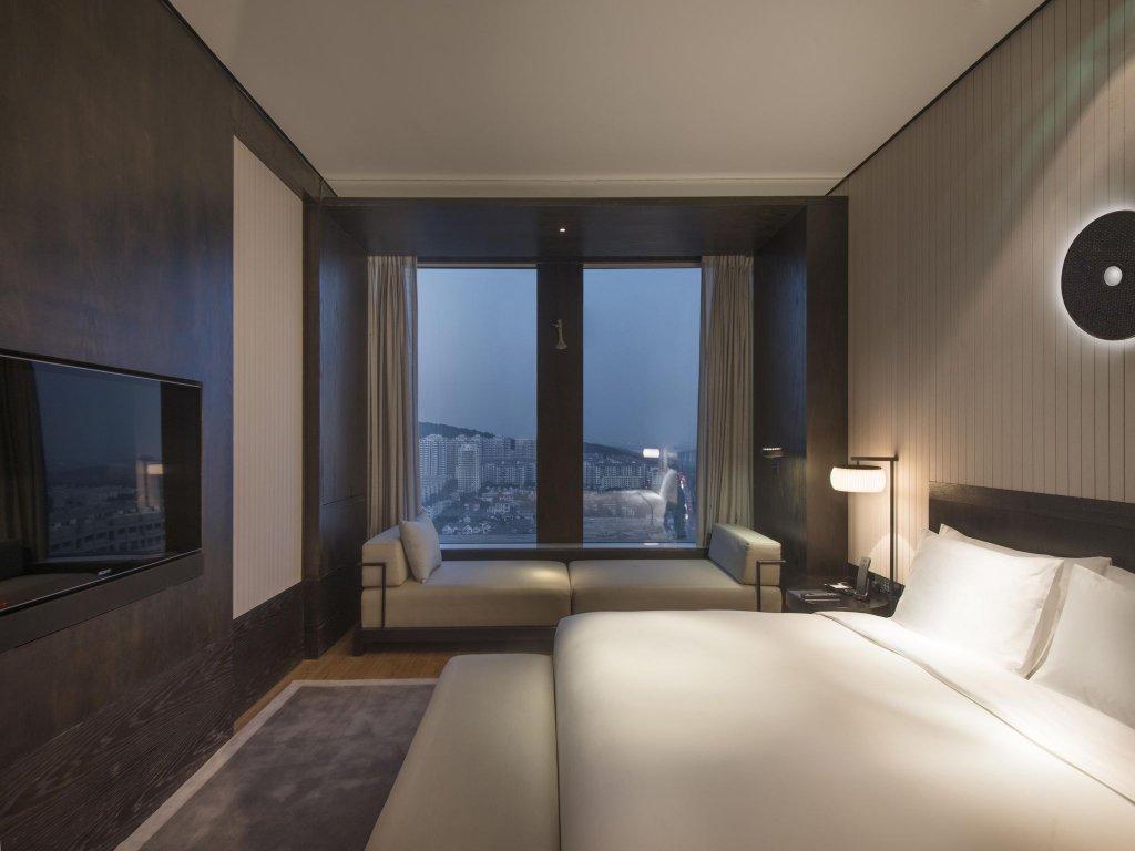 Hyatt Regency Wuhan Optics Valley Image 28