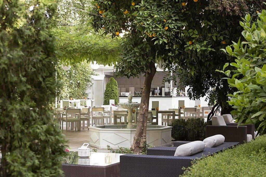 Hotel Hospes Palacio De Los Patos Image 18