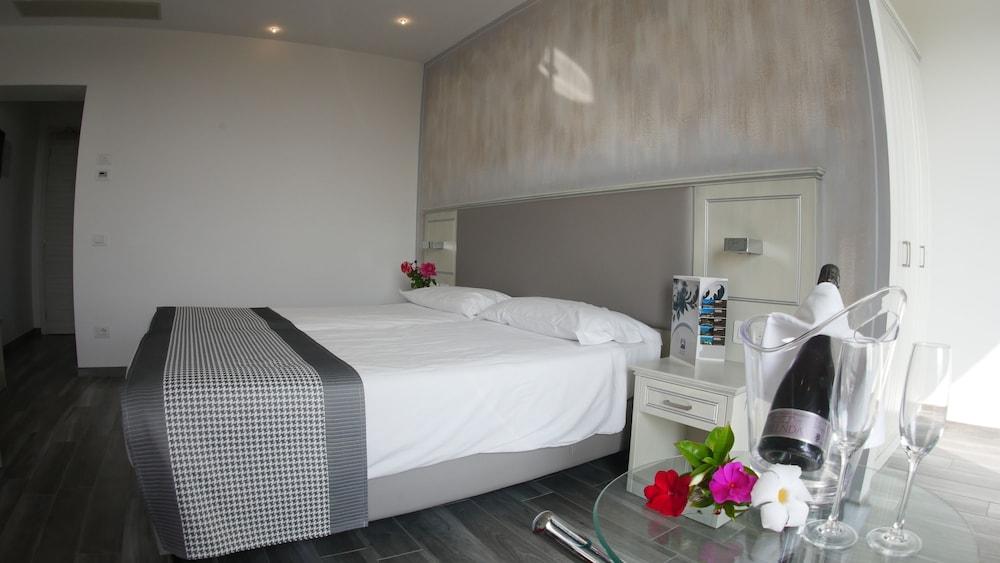 Villa Paradiso Suite, Moniga Del Garda Image 9