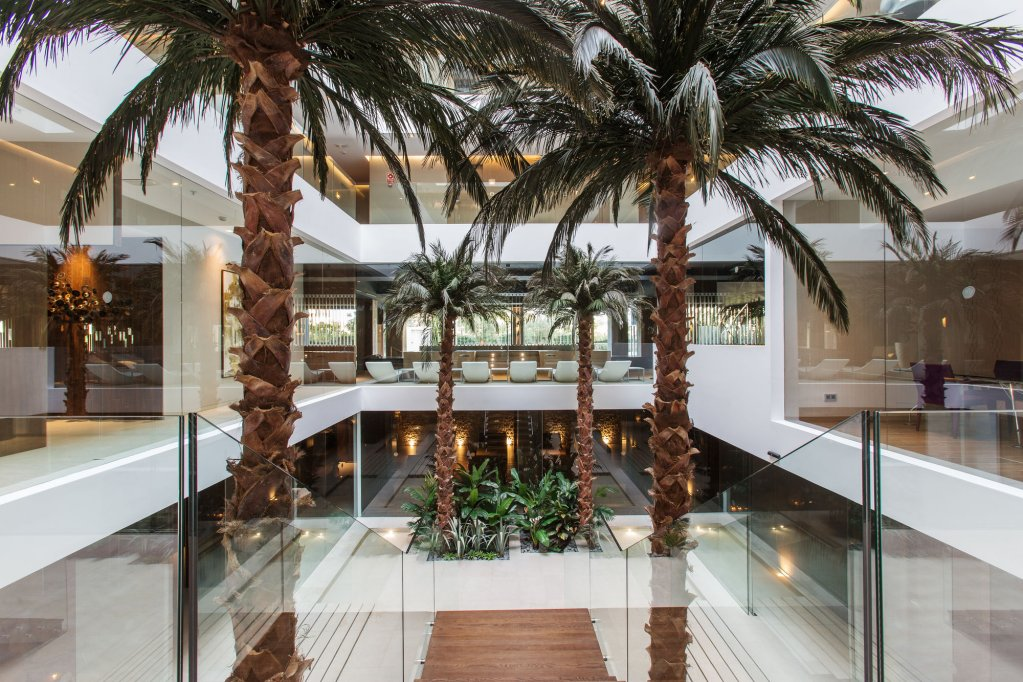 The Oasis By Don Carlos Resort, Marbella Image 9