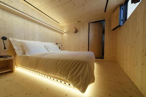 Zero Box Lodge Porto Image 1