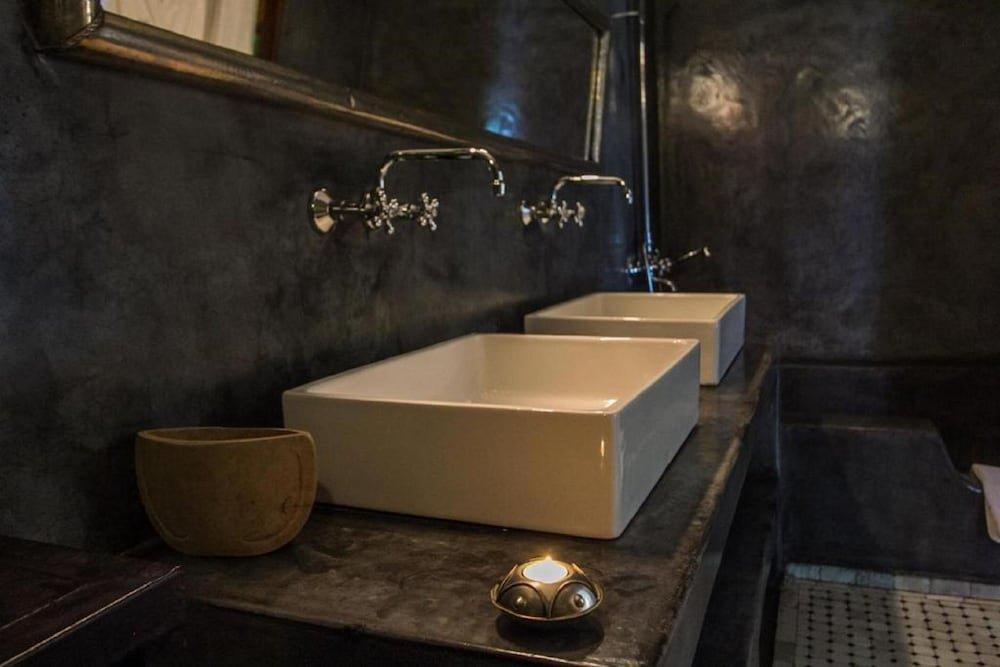 Riad Laaroussa- Hotel & Spa Image 46