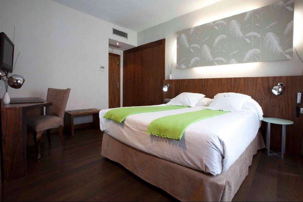 Hotel Opera Image 1