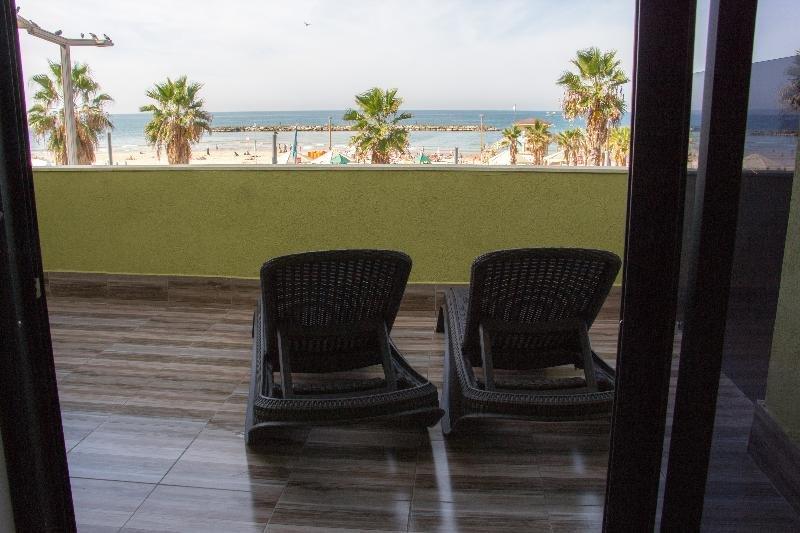 Golden Beach Hotel Tel Aviv Image 3