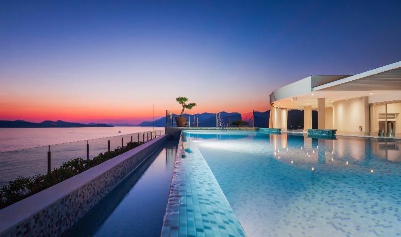 Royal Blue Hotel Image 48