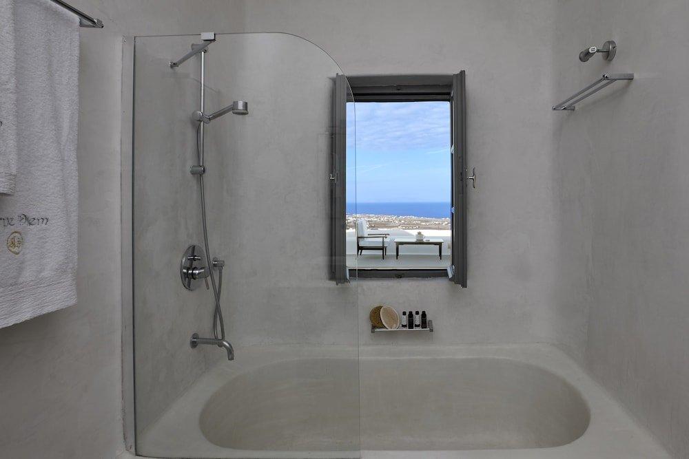 Carpe Diem Santorini Image 5