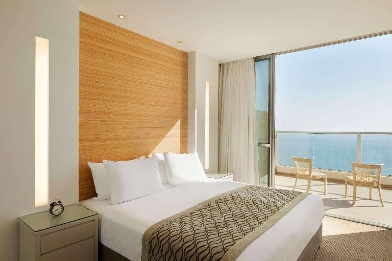 Ramada Hotel & Suites By Wyndham Netanya Image 0