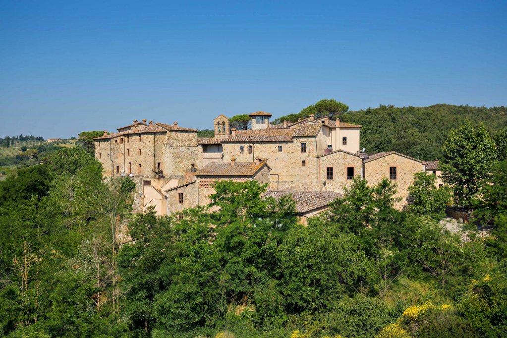 Castel Monastero, Castelnuovo Berardenga Image 8