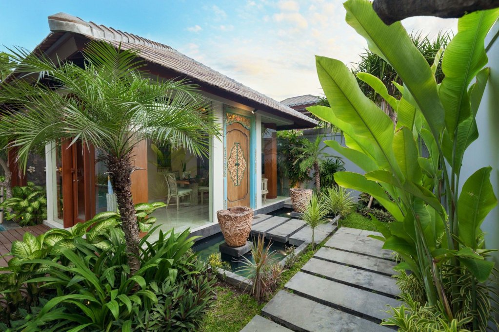 Royal Purnama Art Suites & Villa Image 39