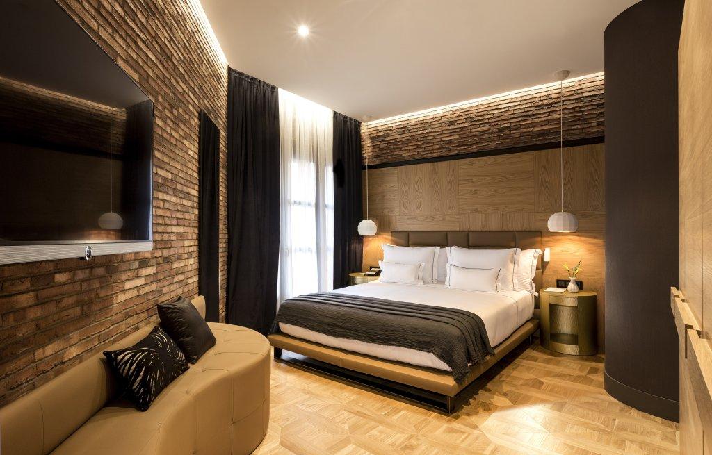 Monument Hotel Image 0