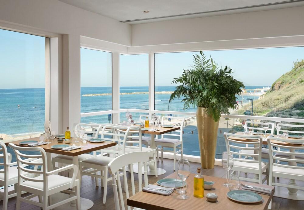 Carlton Tel Aviv Hotel - Luxury On The Beach Image 21