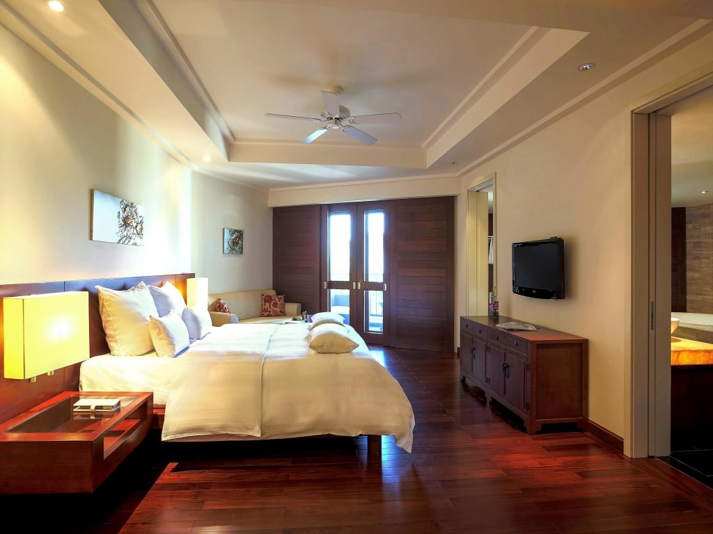 Pullman Danang Beach Resort Image 3
