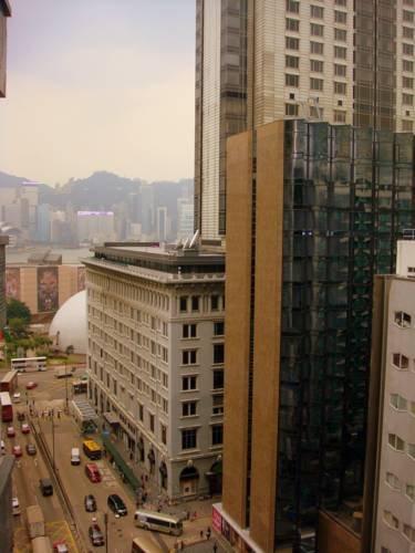 Four Seasons Hong Kong Image 3