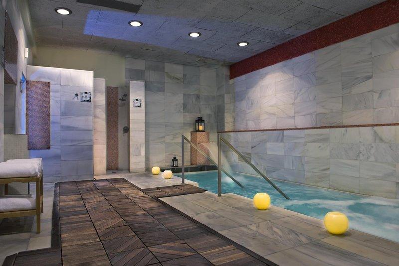 Hotel Camiral Image 2