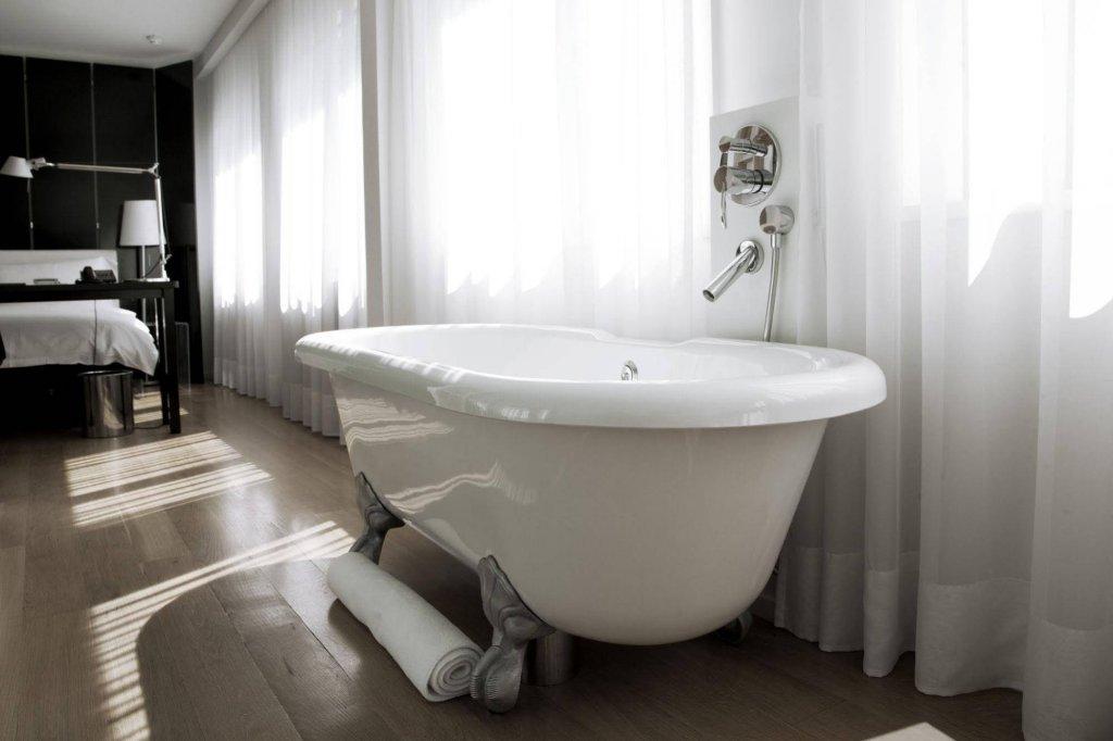 101 Hotel Image 13