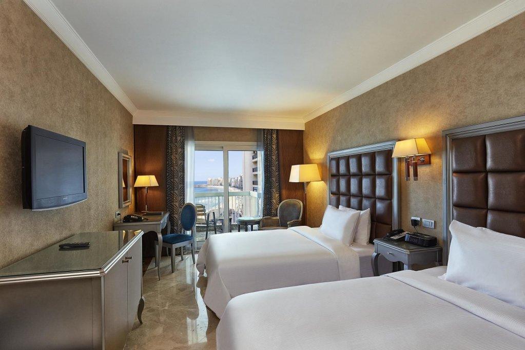 Hilton Alexandria Corniche Image 3