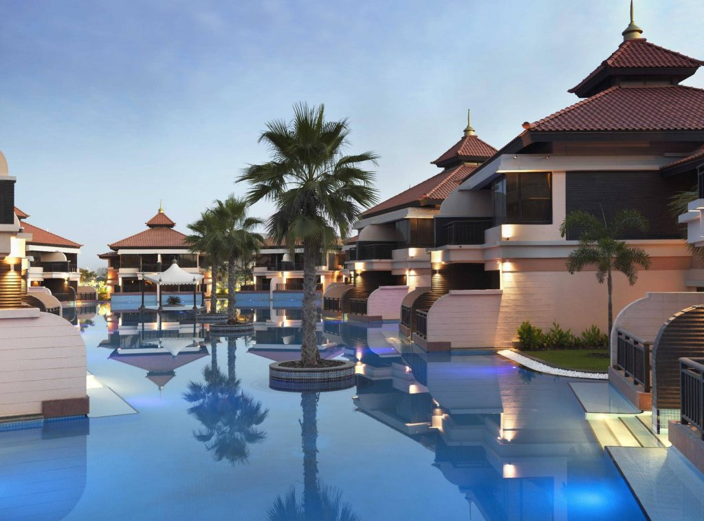 Anantara The Palm Dubai Resort Image 0