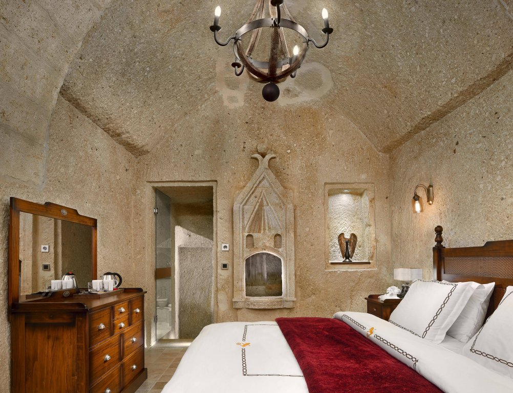 Seraphim Cave Hotel Image 0