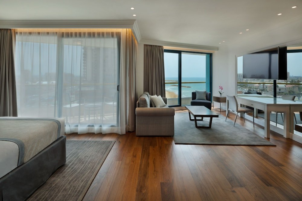Okeanos Suites Herzliya Hotel By Herbert Samuel Image 4