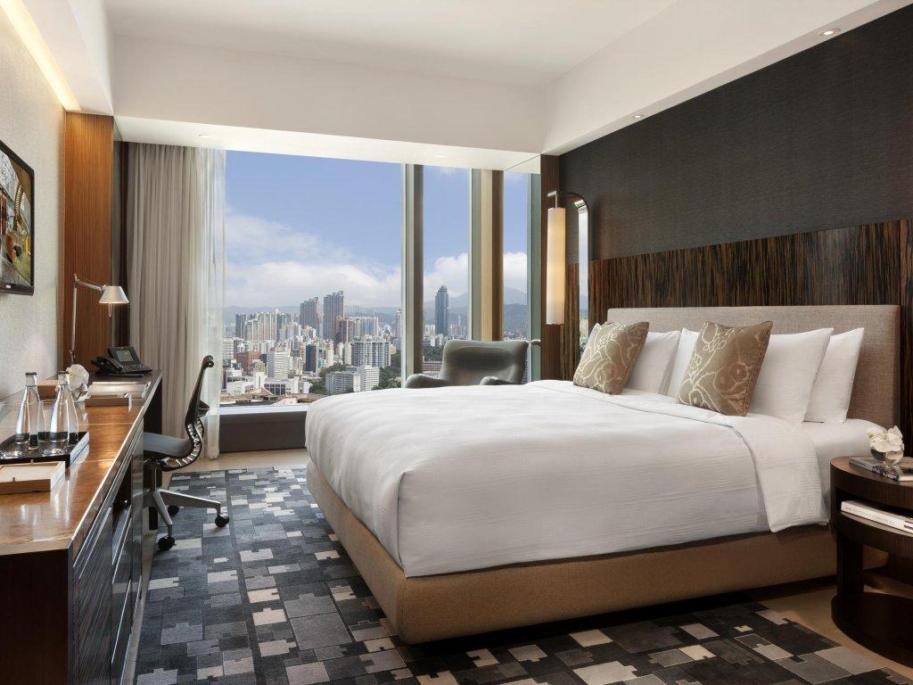Hotel Icon Image 1