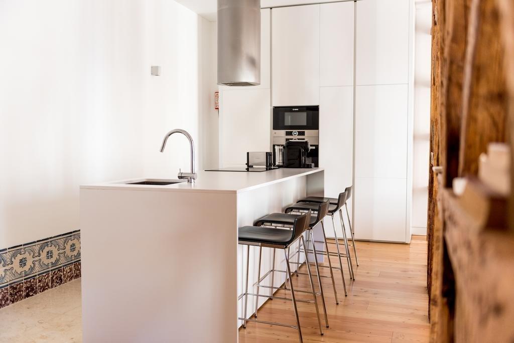 Flora Chiado Apartments Image 4