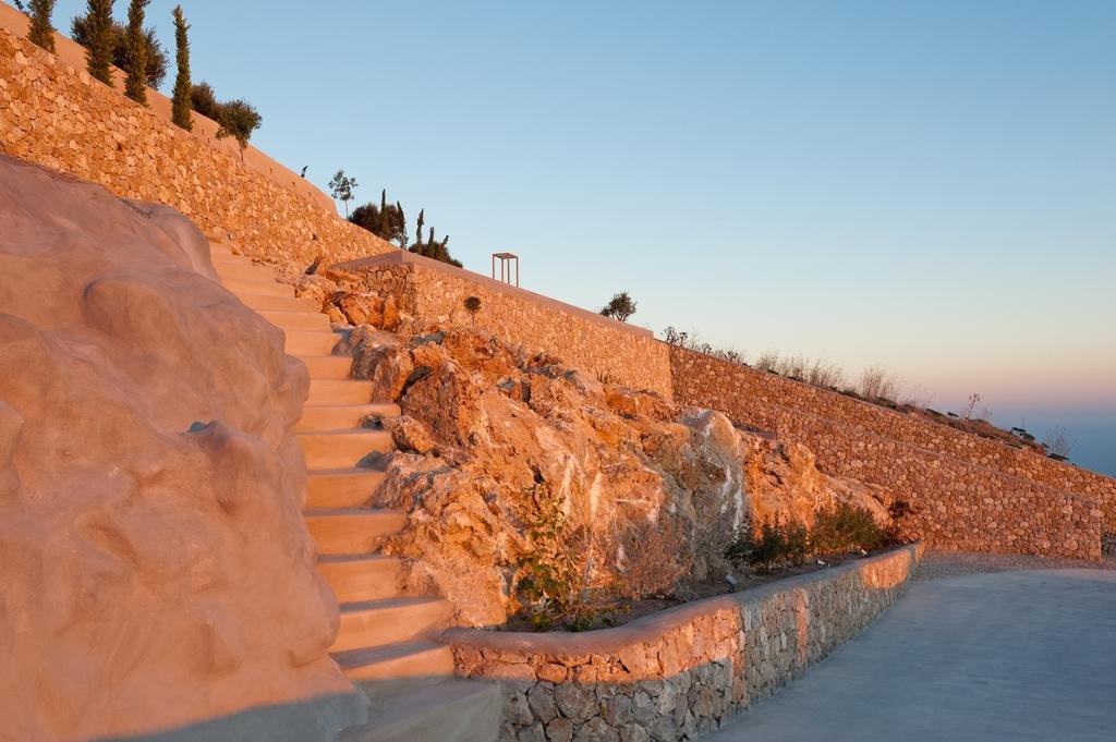 Santorini Heights Image 30
