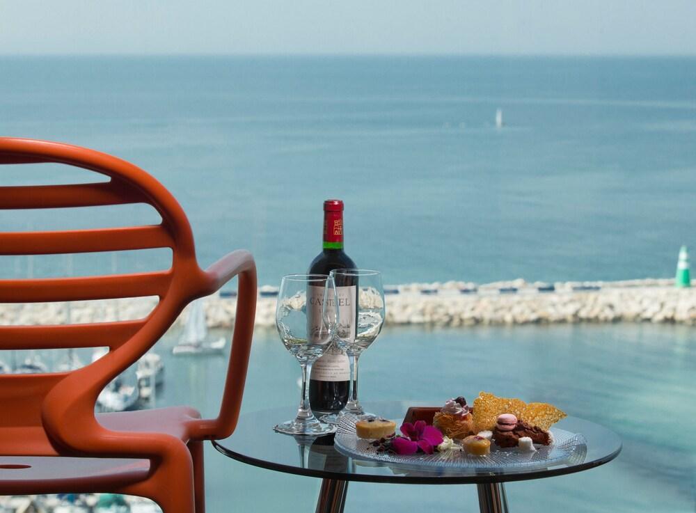 Carlton Tel Aviv Hotel - Luxury On The Beach Image 5