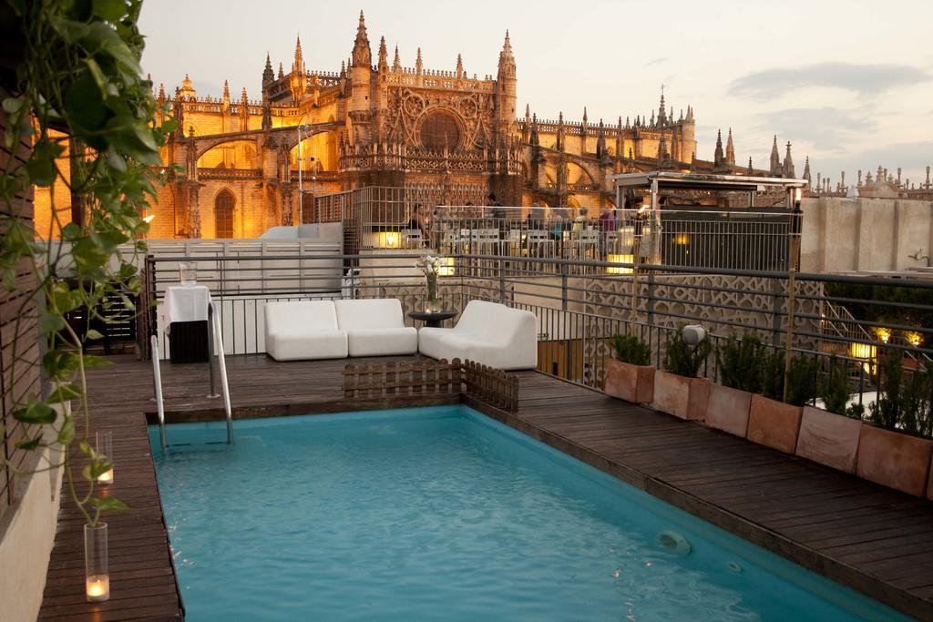 Eme Catedral Hotel Image 0