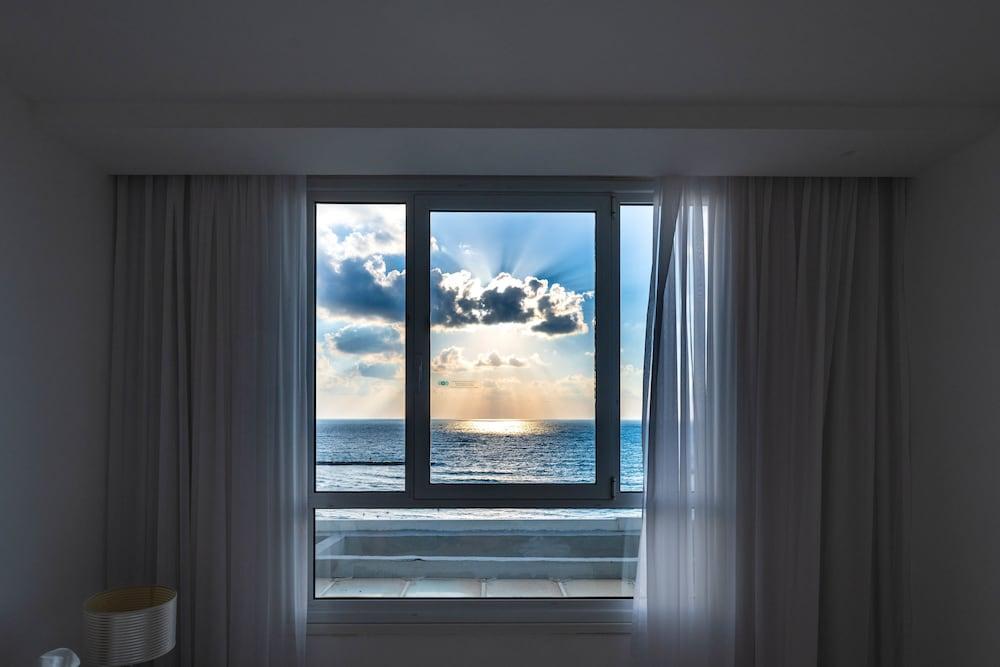 Sea Hotel,  Tel Aviv Image 12