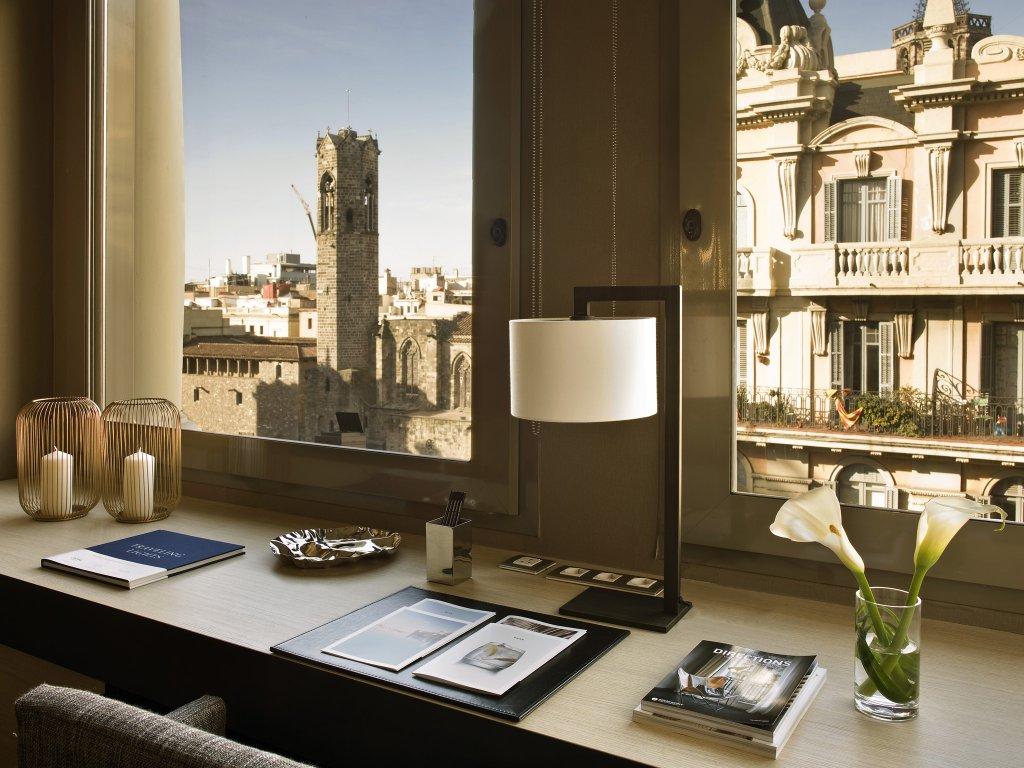 Grand Hotel Central, Barcelona Image 6
