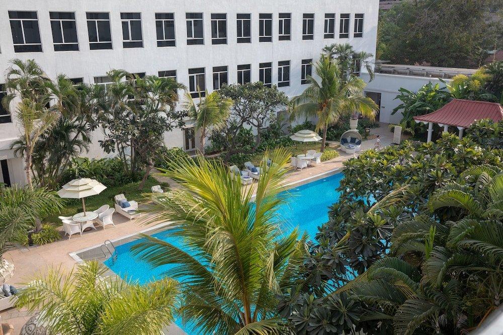Taj Connemara Image 31