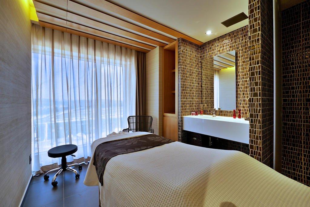 Cramim Resort & Spa Image 20