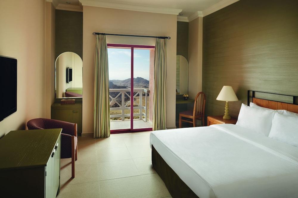 Movenpick Nabatean Castle Hotel, Petra Image 7
