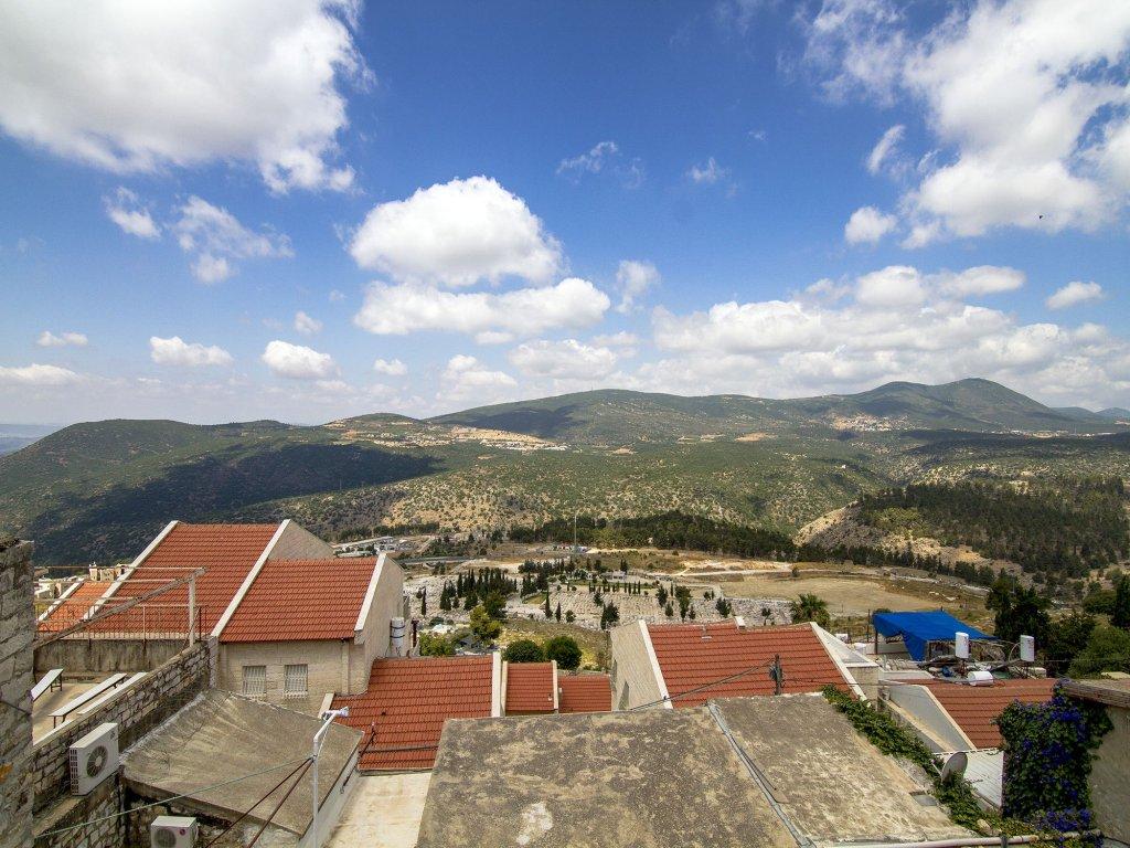 Nofesh Baatika, Safed Image 43