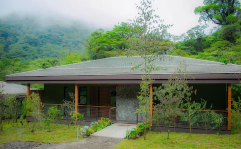 El Silencio Lodge & Spa Image 47