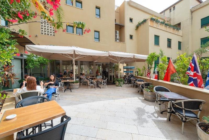 Margosa Hotel Image 8